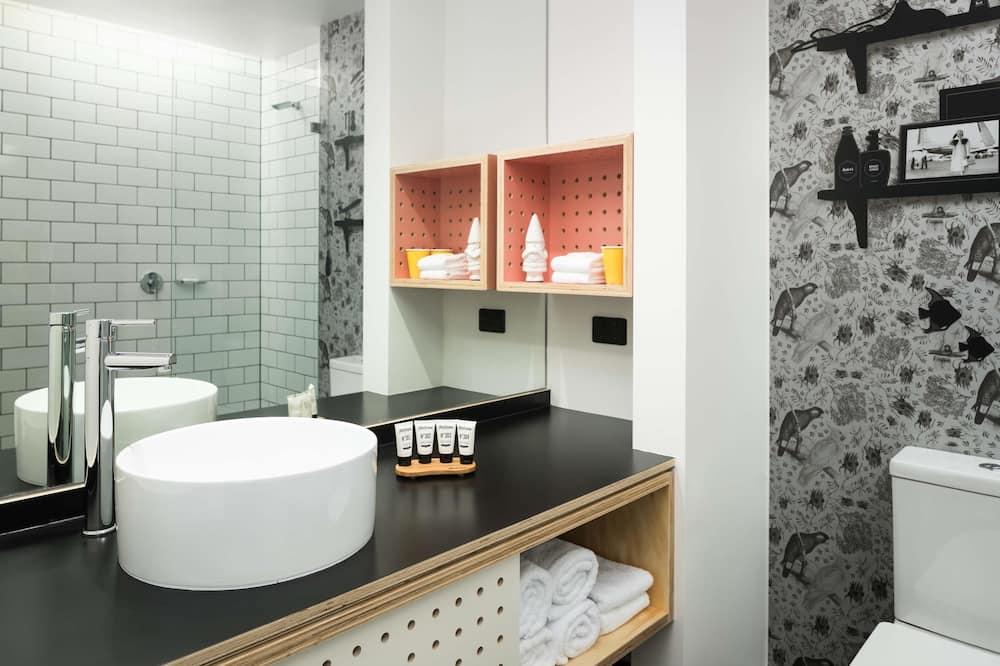 Standard Room, 2 Queen Beds (Atura) - Bathroom
