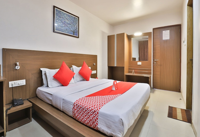 OYO 14837 Hotel Uberoi Anand, Bareilly, Suite, 1 King Bed, Guest Room