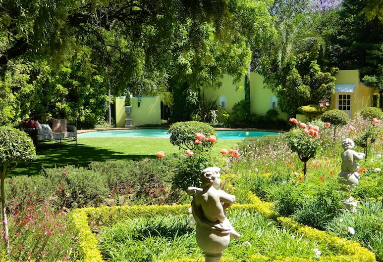 Kareeblom Guesthouse, Pretoria, Pool