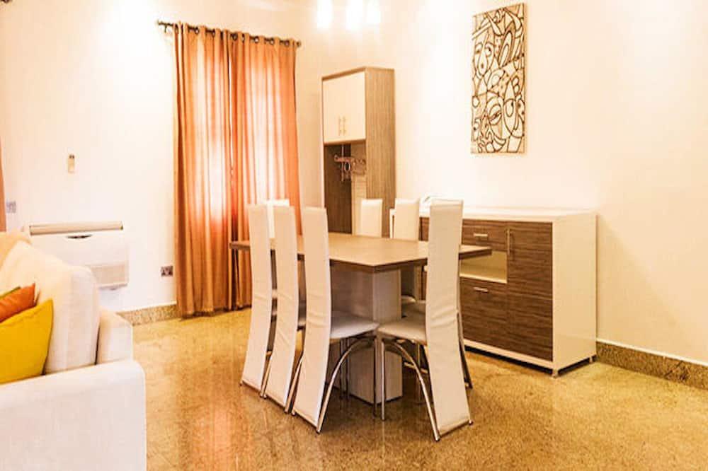 Štandardný apartmán, 2 spálne - Stravovanie v izbe