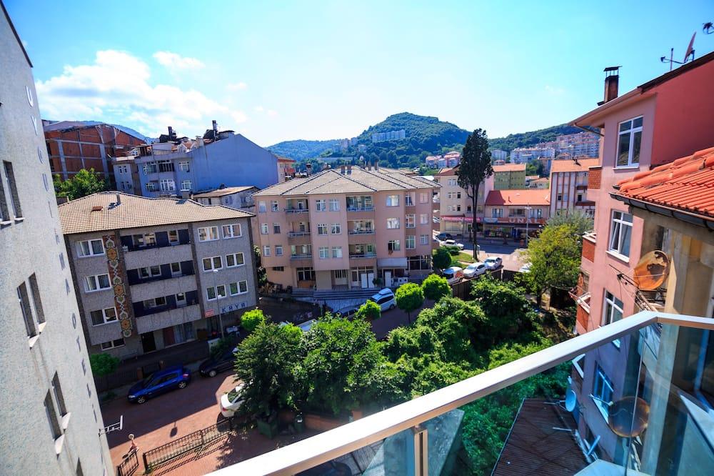 Двухместный номер «Эконом» с 2 односпальными кроватями - Вид с балкона
