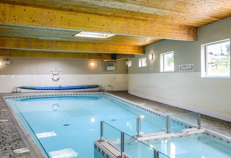 Holiday Home 2, Looe, Cottage, Pool