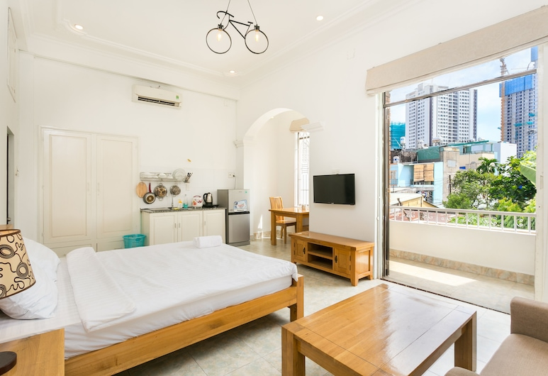 Halo Serviced Apartment, Ho Chi Minh City, Estúdio Premium, 1 cama king-size, Varanda, Quarto