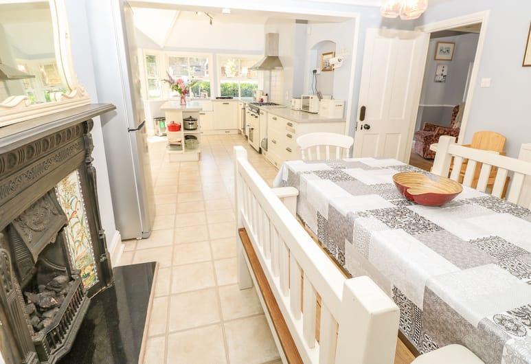 Burford House, Ryde, Cottage, Private kitchen