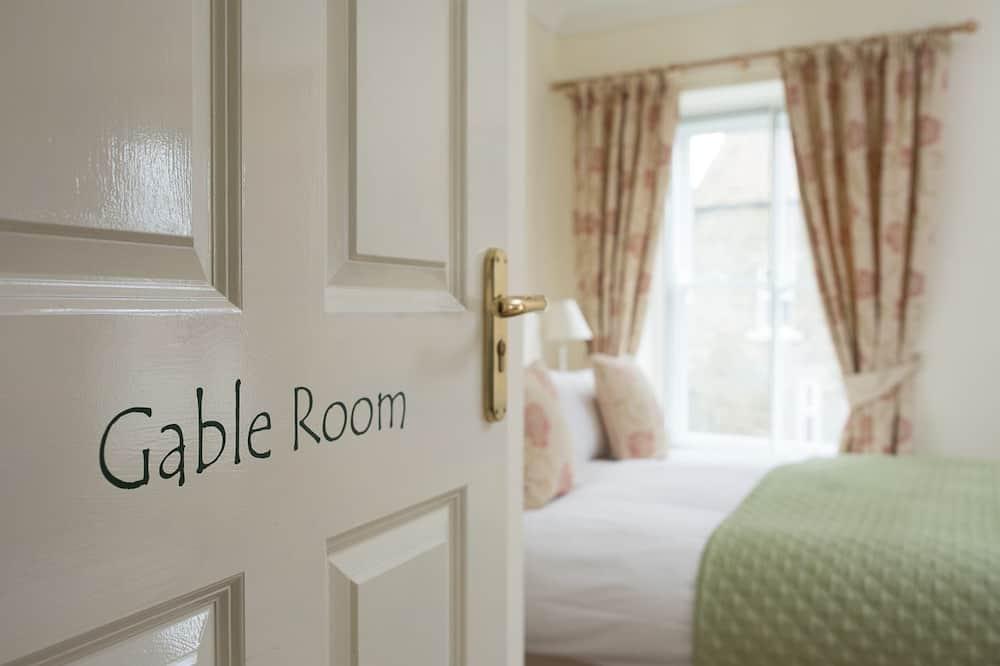 Dvojlôžková izba, vlastná kúpeľňa (Gable Room) - Hosťovská izba
