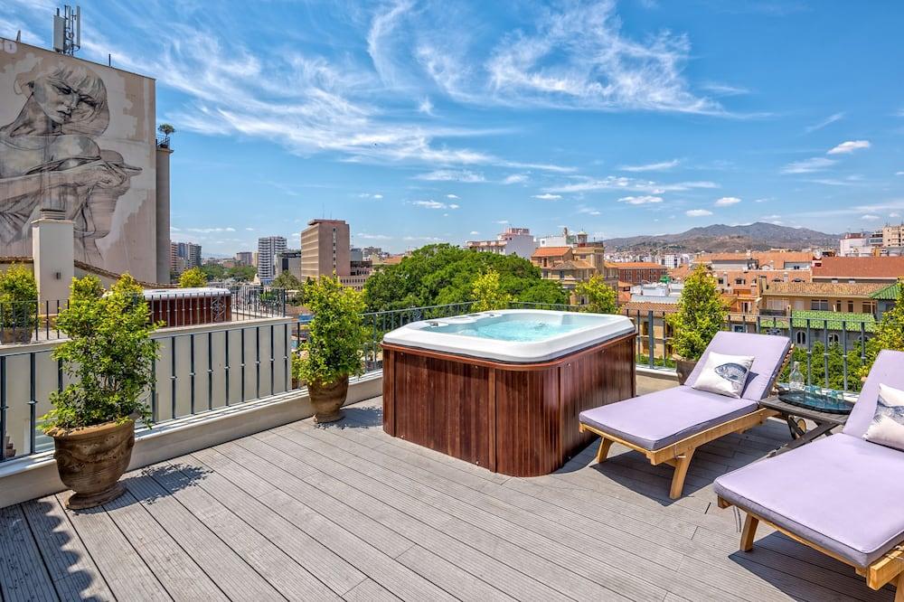 Loftsleilighet, 2 soverom, massasjebadekar, utsikt mot byen (5B) - Terrasse/veranda