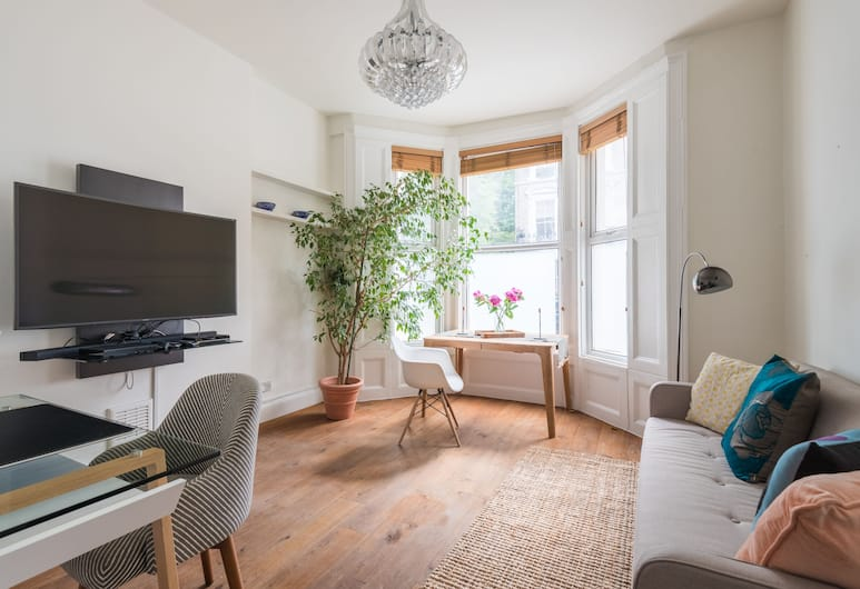 Charming Maida Vale Home by Little Venice, London