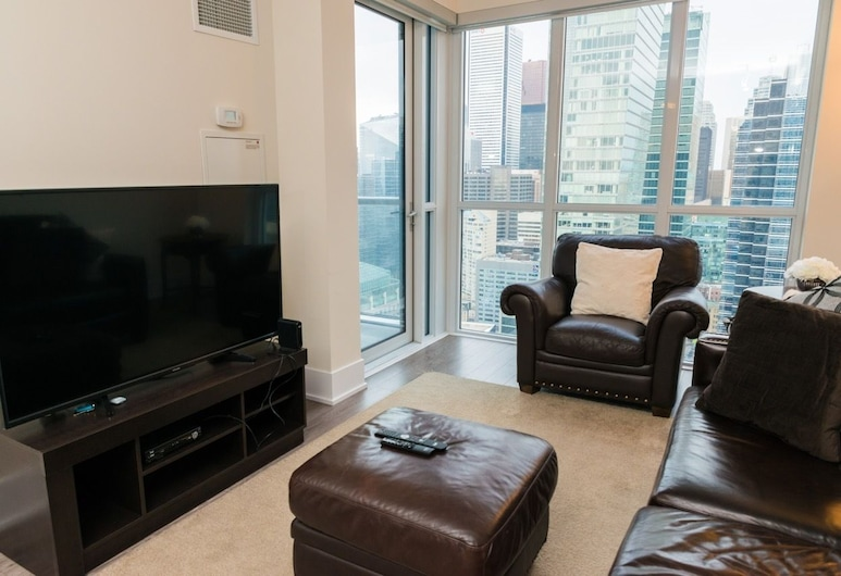 Sarkar Suites - CN Tower Rogers Centre, Toronto, Executive Condo, 1 Queen Bed with Sofa bed, Kitchen, Living Area