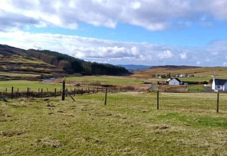Trotternish Cottage, Portree, Cottage, Property Grounds