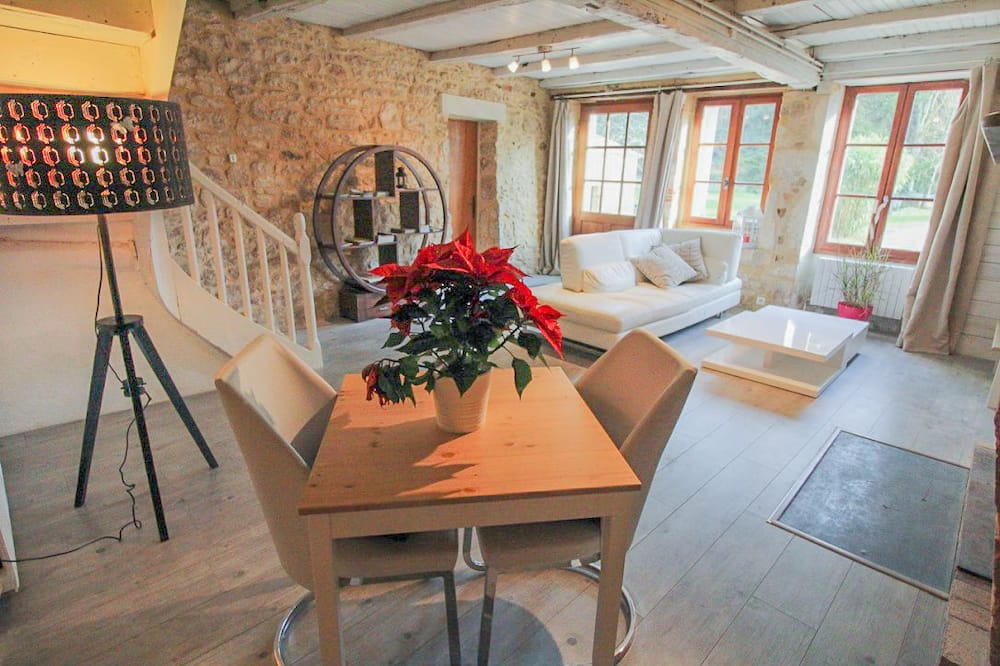 Romantični suite (seasonal spa tub, EUR 25 per person/h) - Dnevni boravak