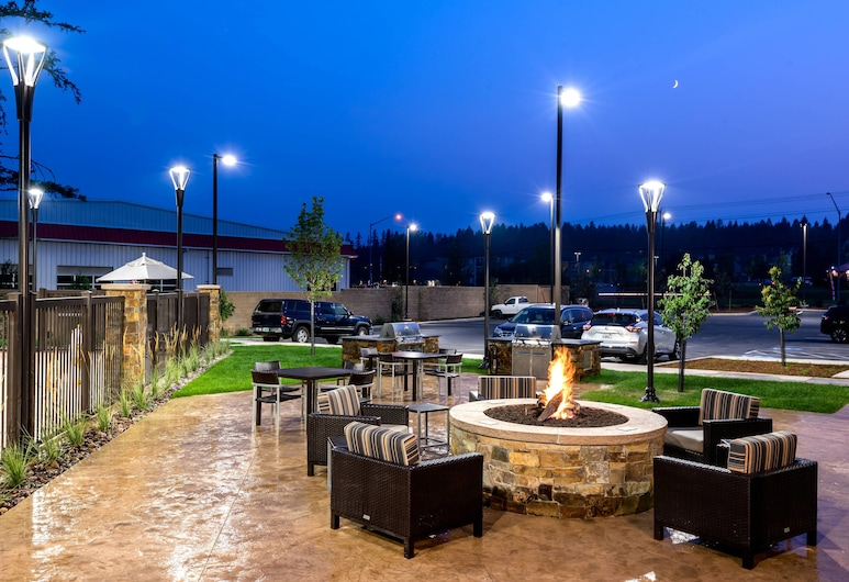 TownePlace Suites by Marriott Whitefish, Whitefish, Terrace/Patio