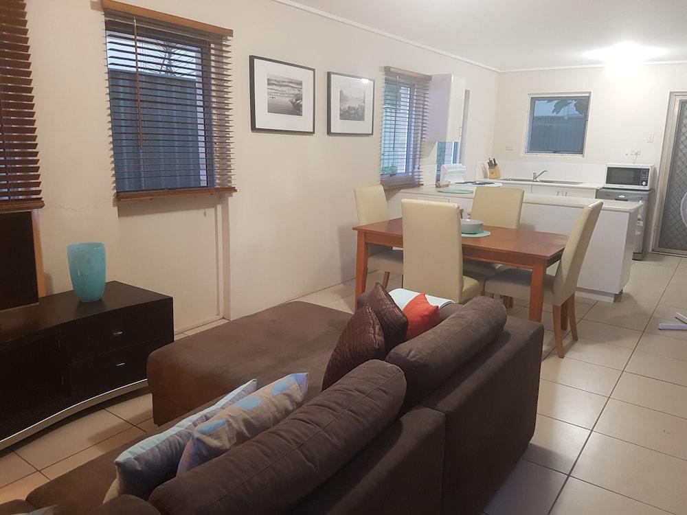 NUMBER 7 DAWSON LODGE (Mermaid Beach, Queensland) : Hoteles en ...