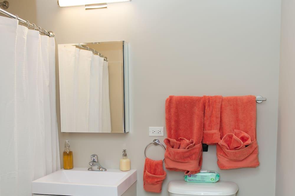 ลอฟท์, หลายเตียง, ปลอดบุหรี่ - ห้องน้ำ