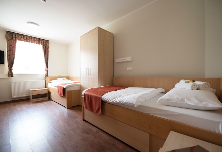 S hotel, Maribor, Apartment for 2, Guest Room