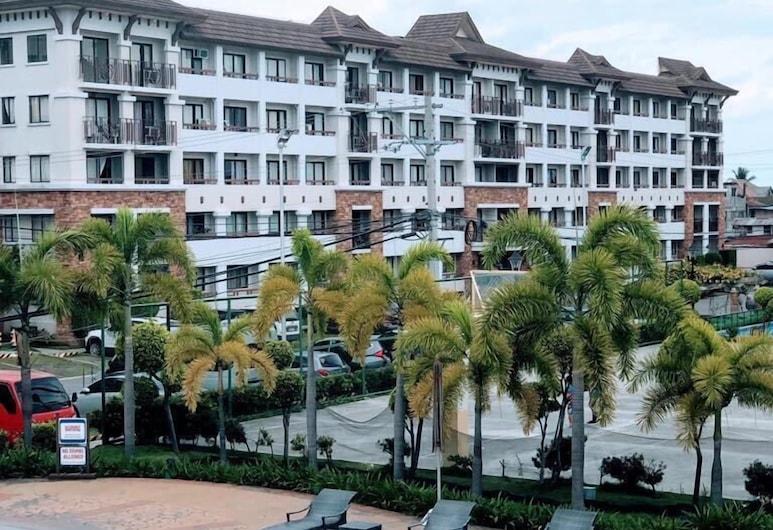 1 Bedroom Deluxe Condo at Apartelle D' Oasis, Davao, Piscina Exterior