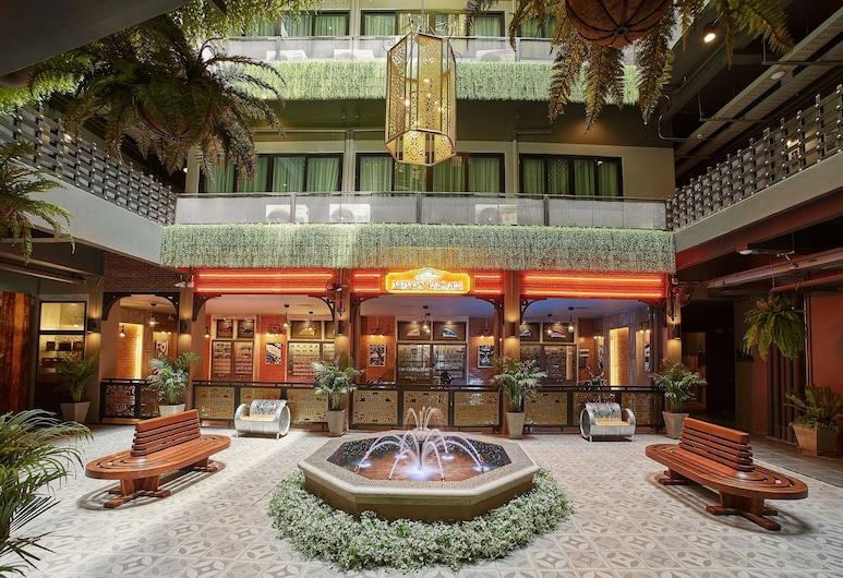 W22 バイ ブラサリ, バンコク, 中庭