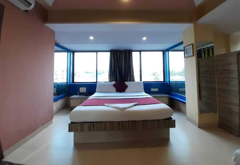 Hotel Arma, Mumbai, Deluxe Double Room, 1 Queen Bed, Smoking, Guest Room
