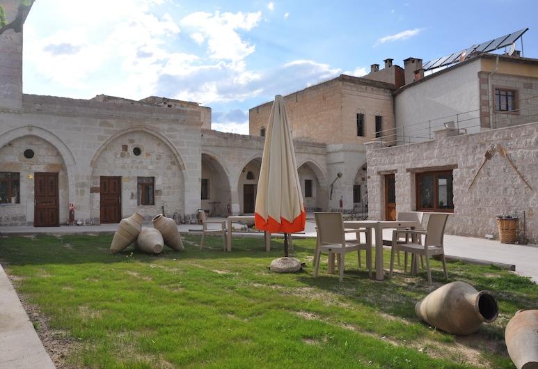 チャウシン ケーブ ハウス, アバノス, 施設の敷地