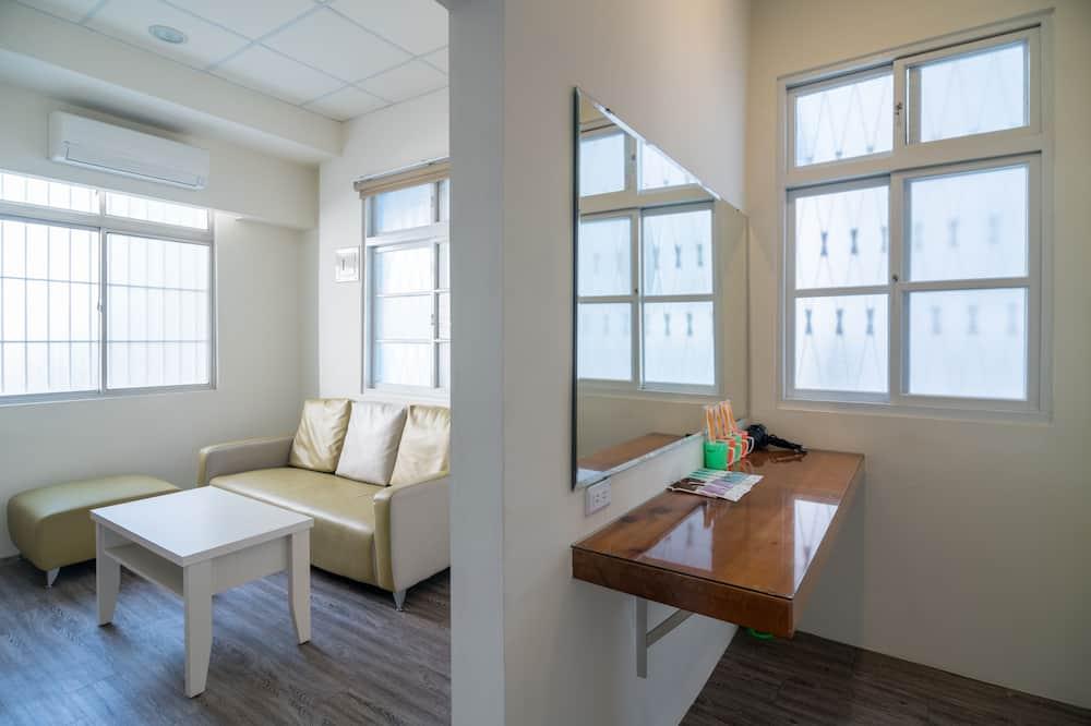Basic-dobbeltværelse - 1 dobbeltseng - eget badeværelse - byudsigt - Stue