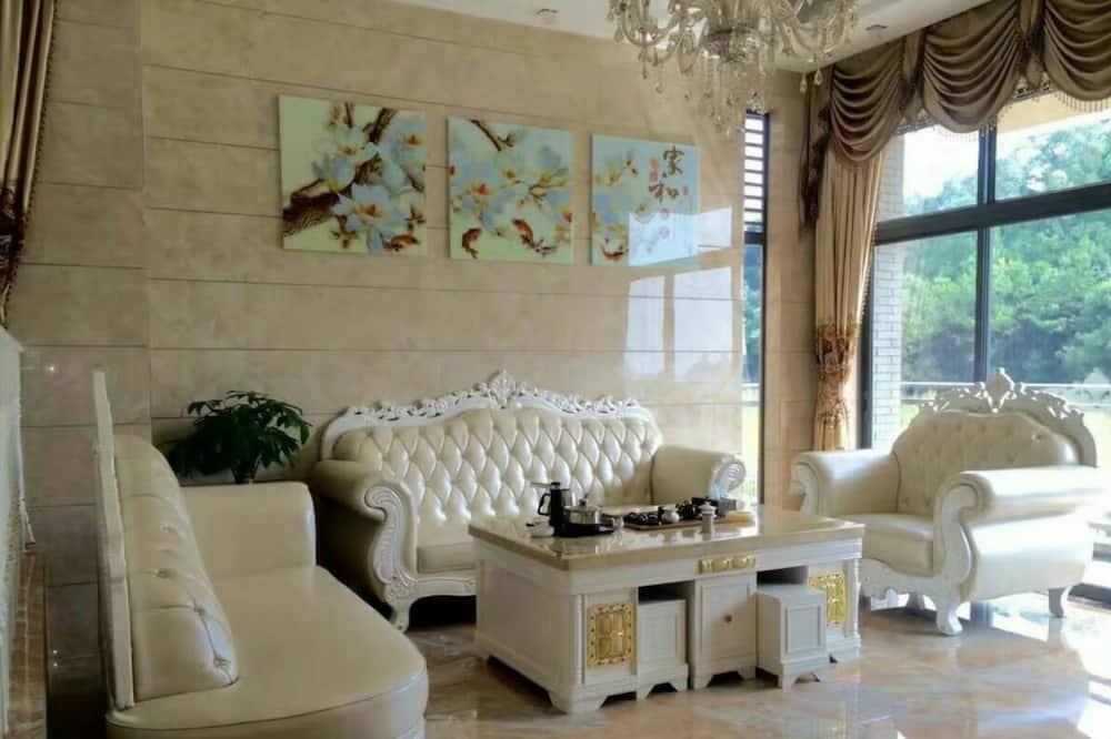 9-Bedroom Villa - Living Room