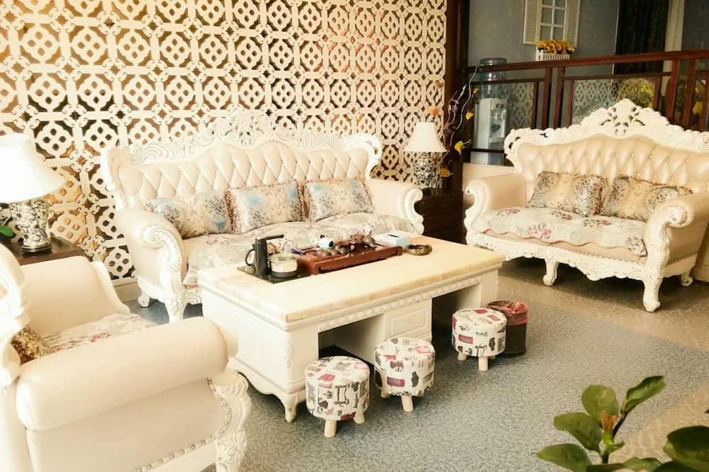 9-Bedroom Villa  - Living Area