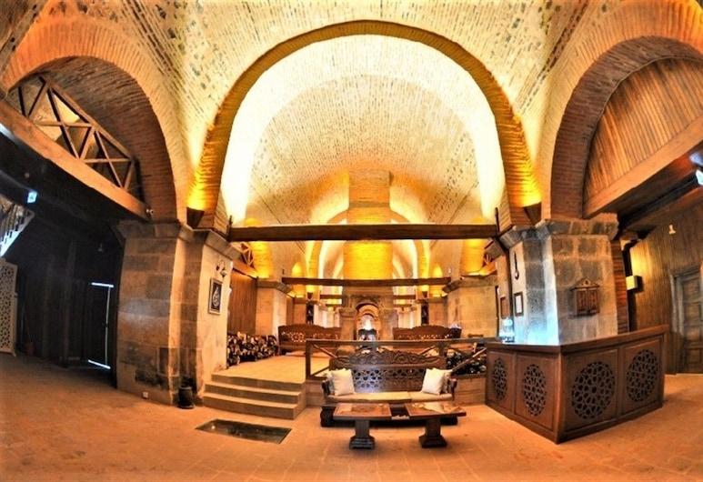 Issız Han Tarihi Butik Otel, Karacabey