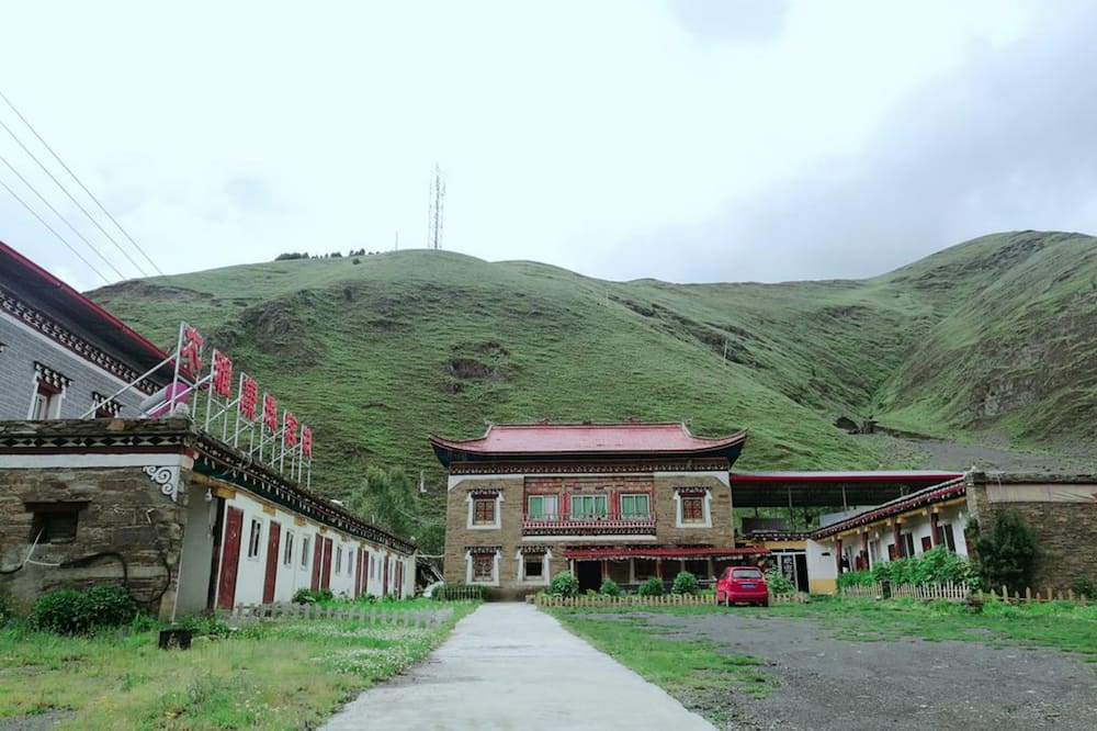 Xinduqiao Muya Kangzhu Inn