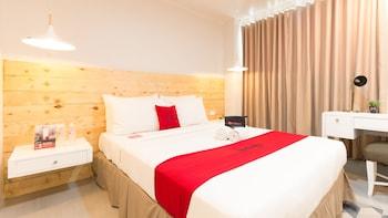 Hình ảnh RedDoorz Premium near Greenbelt Makati tại Makati