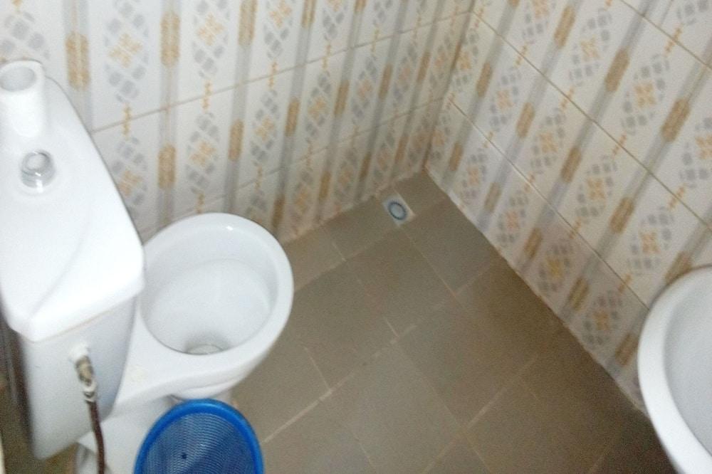 Standard szoba kétszemélyes ággyal, nemdohányzó - Fürdőszoba