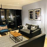 Luxury Apartment, 2 Bedrooms, Accessible (Blue Olive) - Living Area