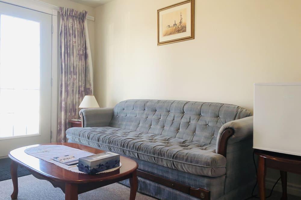 Junior Studio Suite, 2 Queen Beds - Living Area