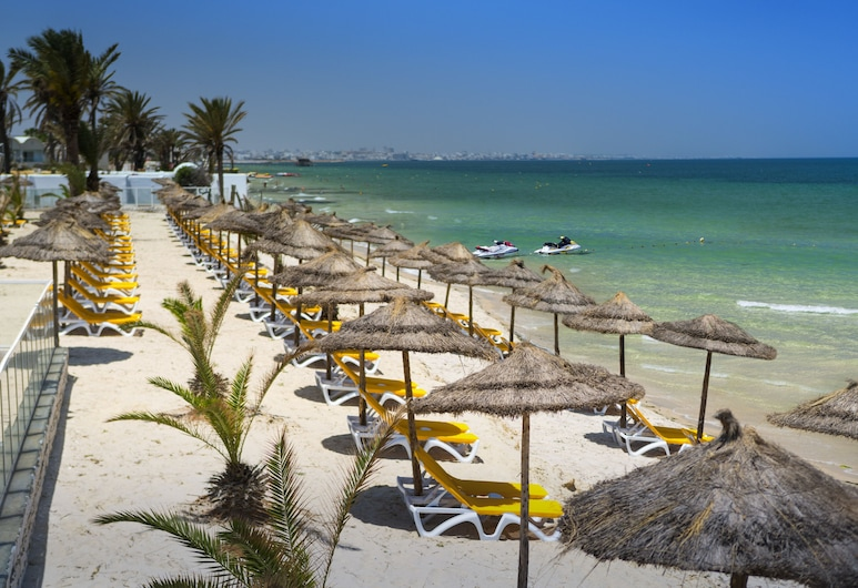 شمس هوليداي فيليدج آند أكوا بارك, المنستير, الشاطئ