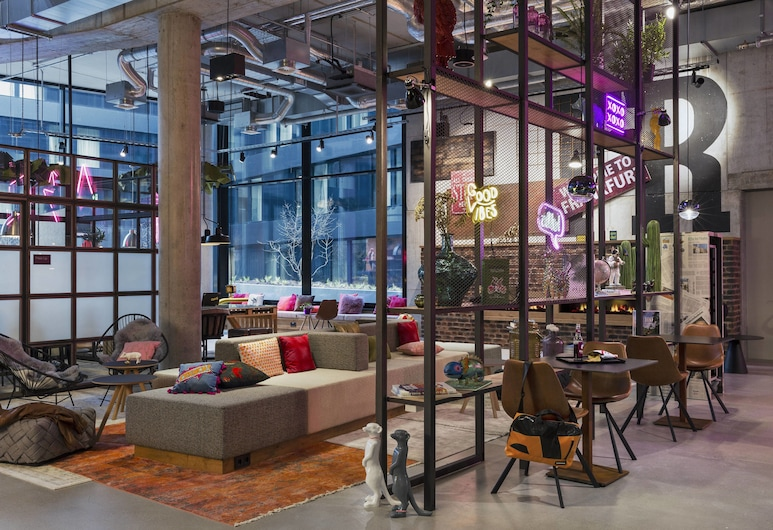 Moxy Frankfurt City Center, Frankfurt, Lobby
