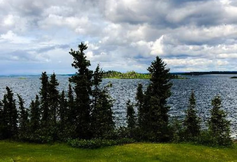 The Point Lodge, Glennallen, Family Suite, Ensuite, Lake View (Family Room), Room