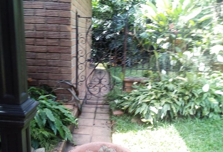Country House Poblado, Medellin, Tek Büyük Yataklı Oda, 1 Çift Kişilik Yatak, Balkon, Otel Sahası