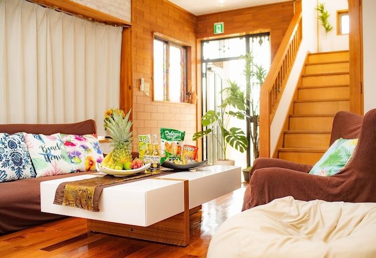 MK Garden, Okinawa, Talo (For 1 to 10 Guests), Olohuone