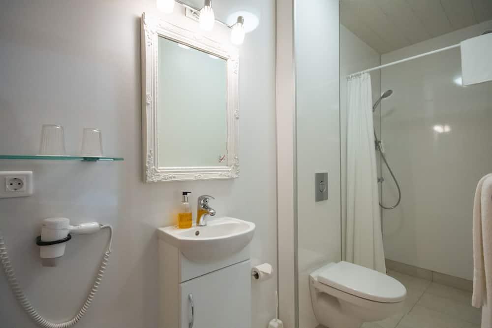 Camera Standard con letto matrimoniale o 2 letti singoli, bagno privato - Bagno