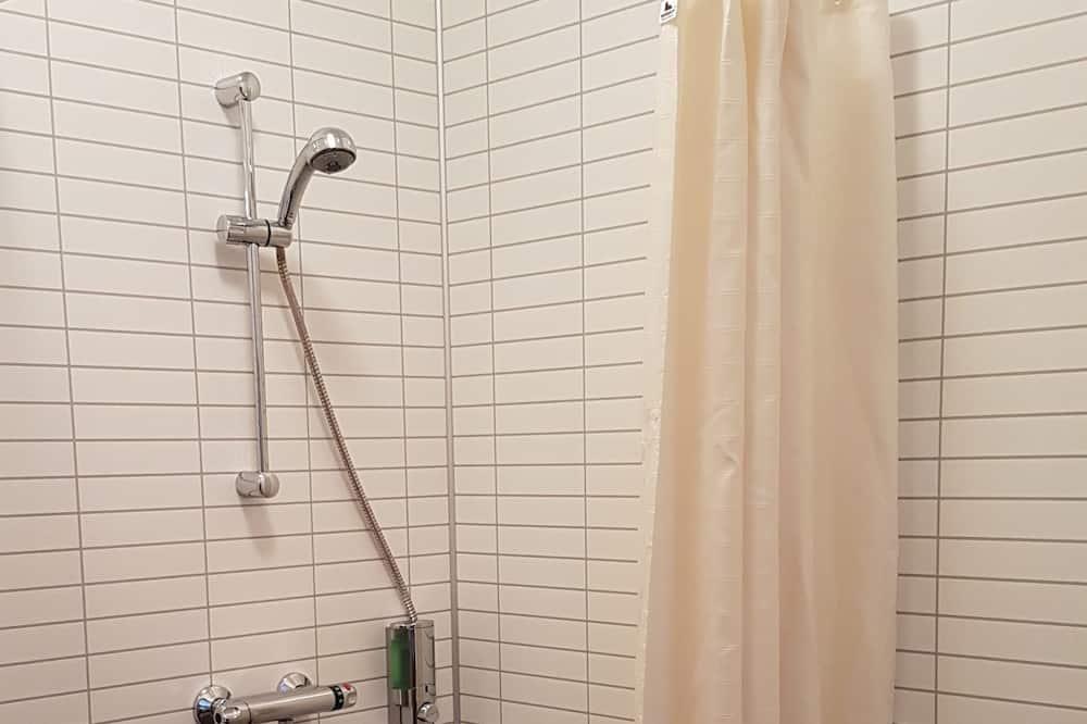 Camera Standard con letto matrimoniale o 2 letti singoli, bagno privato - Doccia