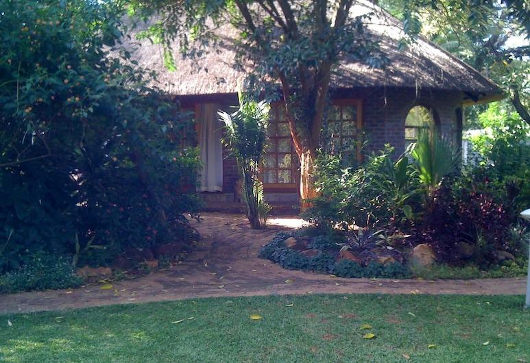 Pakanaka Lodge, Harare, Garden