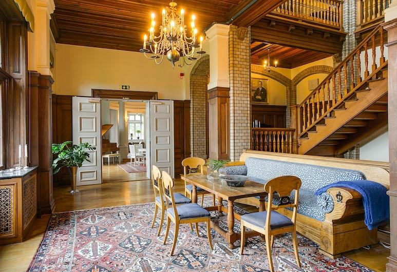Hotel Slottsvillan, Huskvarna, Salón en el lobby