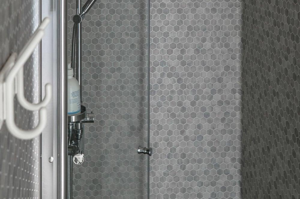 Ekonominės klasės trivietis kambarys, bendras vonios kambarys - Vonios kambarys