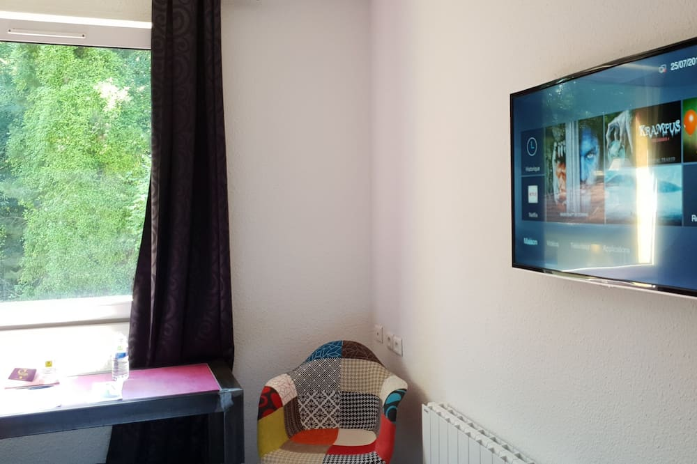 Δίκλινο Δωμάτιο (Twin) - Τηλεόραση