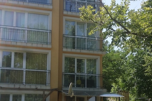 托尼開放式公寓酒店/