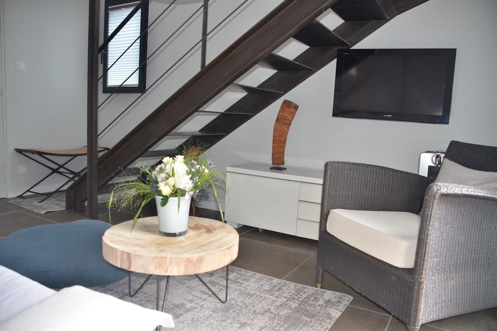 Deluxe Duplex, Refrigerator, Garden Area - Living Area
