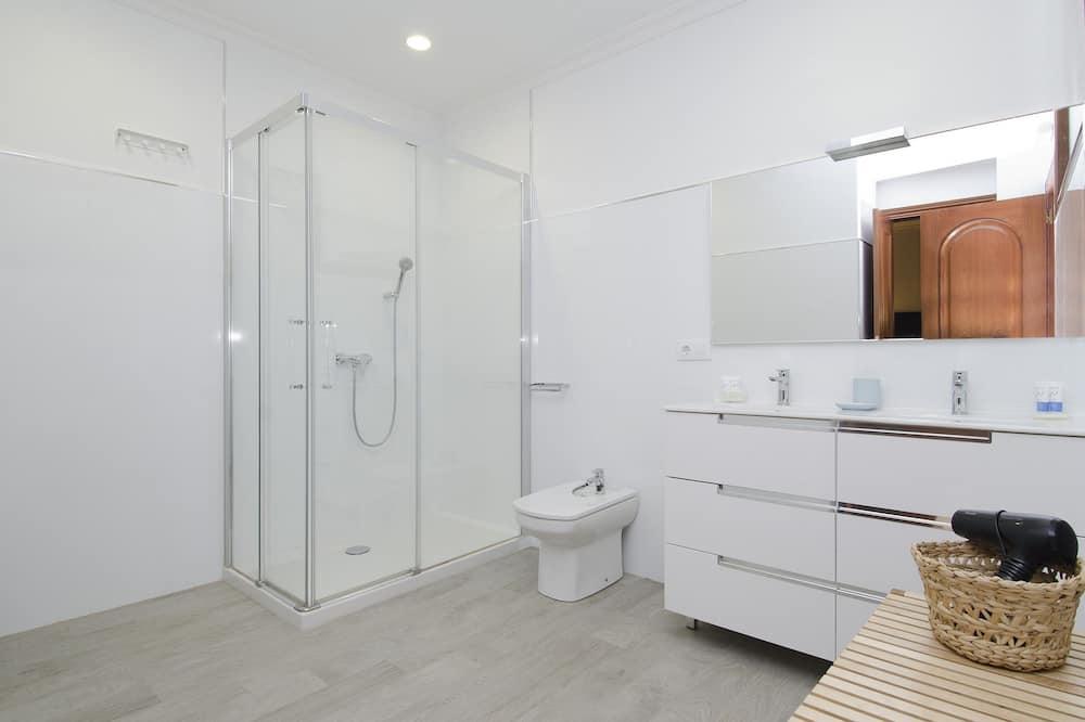 Standard Διαμέρισμα, 4 Υπνοδωμάτια - Μπάνιο
