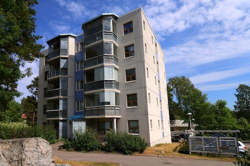 赫爾辛基阿爾特內希賈路