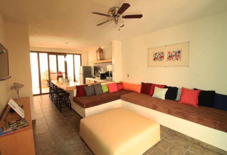 Casa Allende Rest Loft, San Miguel de Allende, Family Loft, 2 Bedrooms, Living Area