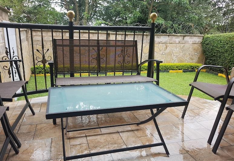 MJ Homestay by Balozi Nairobi, Nairobi, Terrace/Patio
