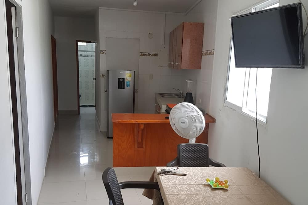 Family Apartment, 4 Bedrooms, Kitchenette (201) - Living Area