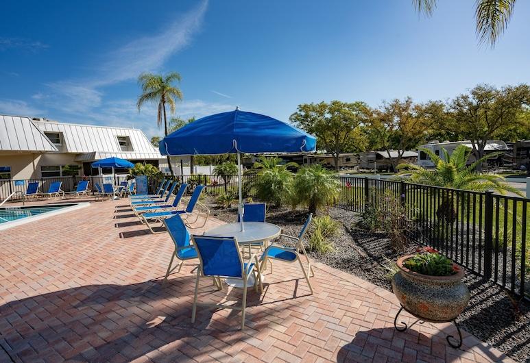 Blue Moon Inn, Palm Harbor, Terraço/Pátio Interior